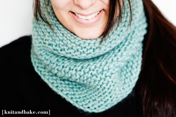 Simple Knit Cowl Pattern : Knitting Patterns Galore - Easy Turquoise Garter Stitch Cowl Pattern