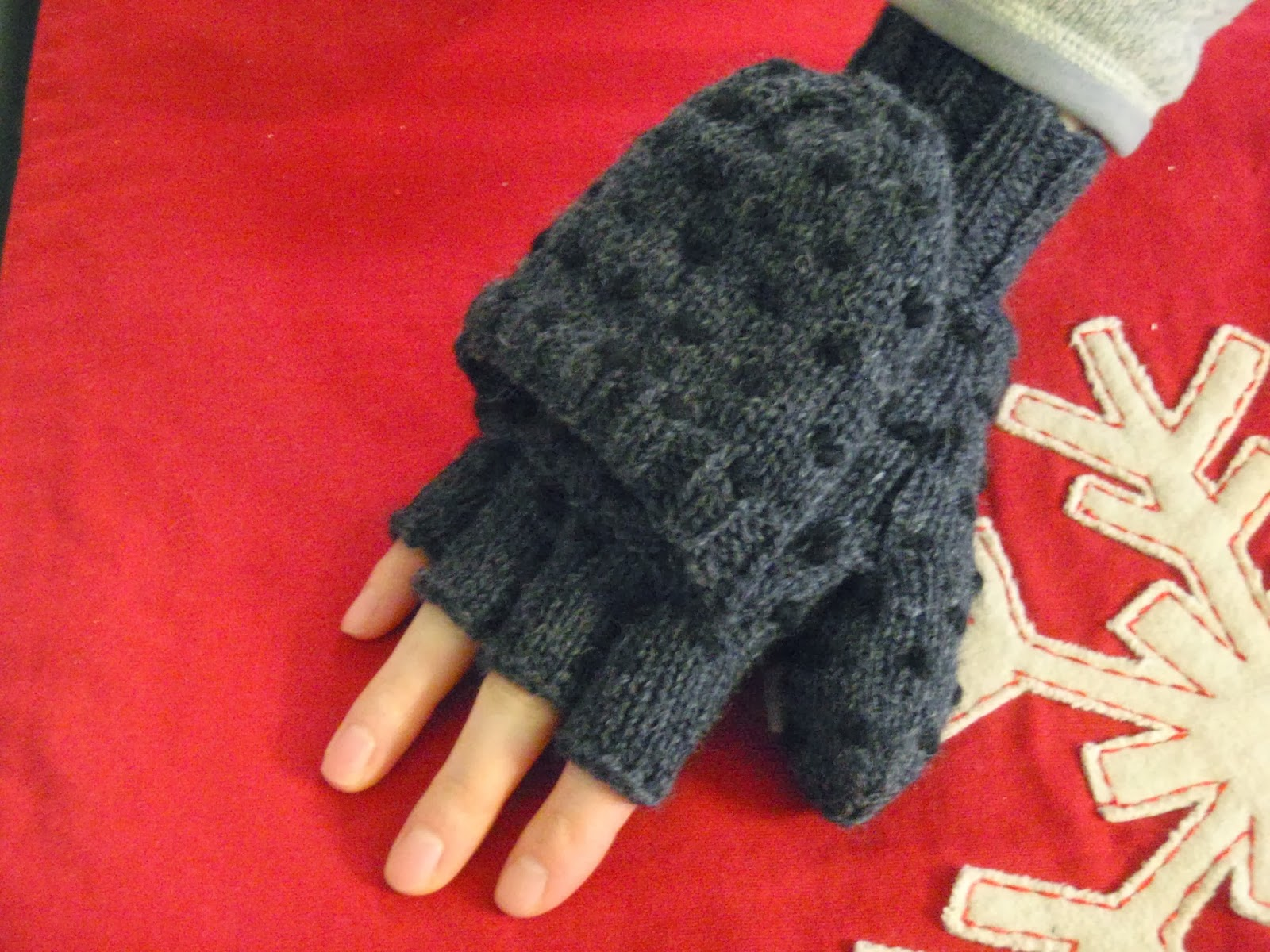 Knitting Patterns Galore - Convertible Thrummed Mittens