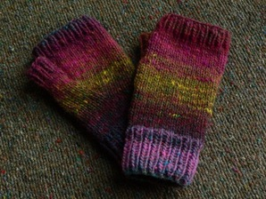 Knitting Patterns Galore - Noro Fingerless Mitts