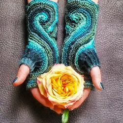Pieces of Eight Mitts