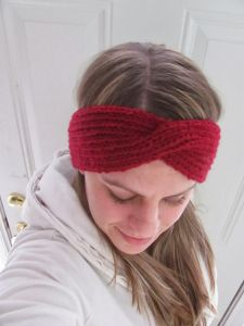 Winter Headband with a Twist