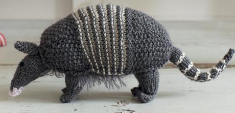 knitting patterns galore - armadillo