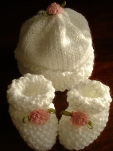 Michelle's Preemis-Newborn Booties and Hat