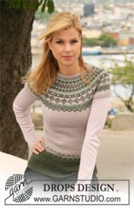 Knitted Jumper with Short Raglan Sleeves and Norwegian Pattern