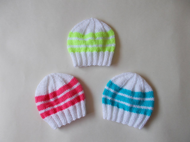 Knitting Patterns Galore - Easy Bright Stripes Newborn Baby Hats