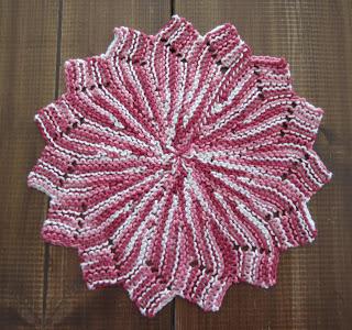 Knitting patterns galore tiskikukka short row circular dishcloth this free knitting pattern dt1010fo