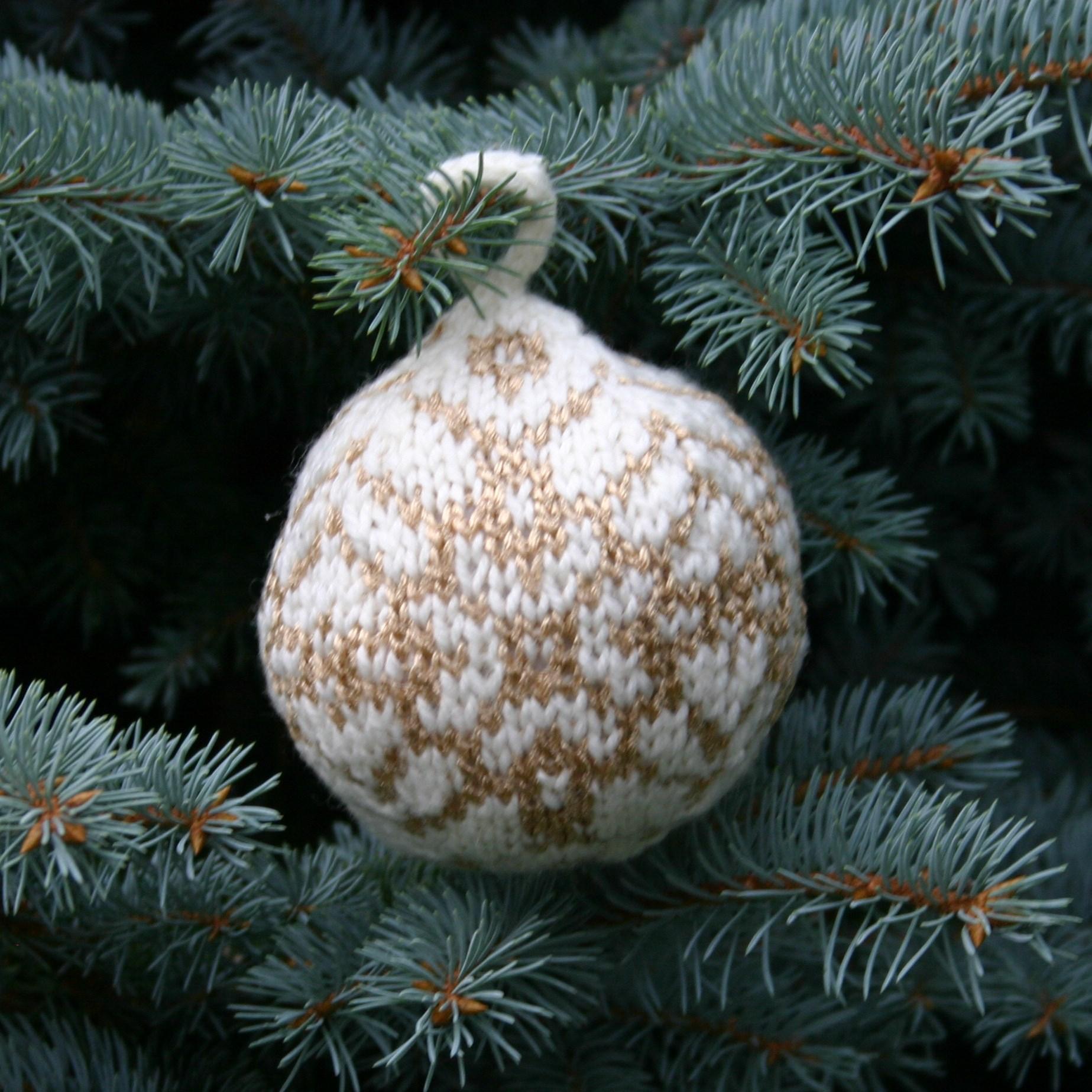 Knitting Patterns Galore - Star of Bethlehem Christmas Ball