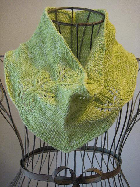 Knitting Patterns Galore - Twin Leaf Cowl