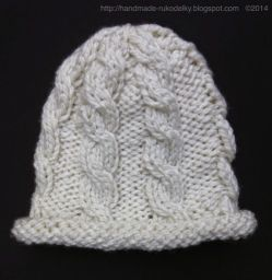 Hat With Cable Design