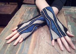 Mixed Wave Mitts