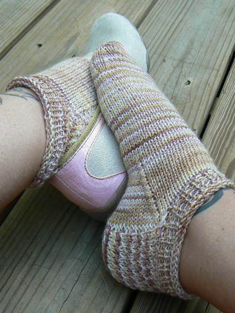 Knitting Patterns Galore - Roll Top Socks