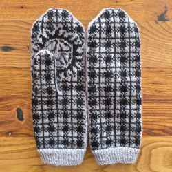 Winchester Plaid, Anti-Possession Mittens