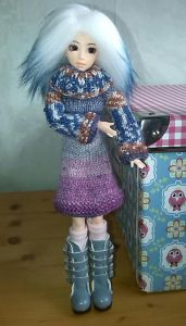 """Hippie"" Turtleneck Sweater Dress (for Obitsu and Monster High)"