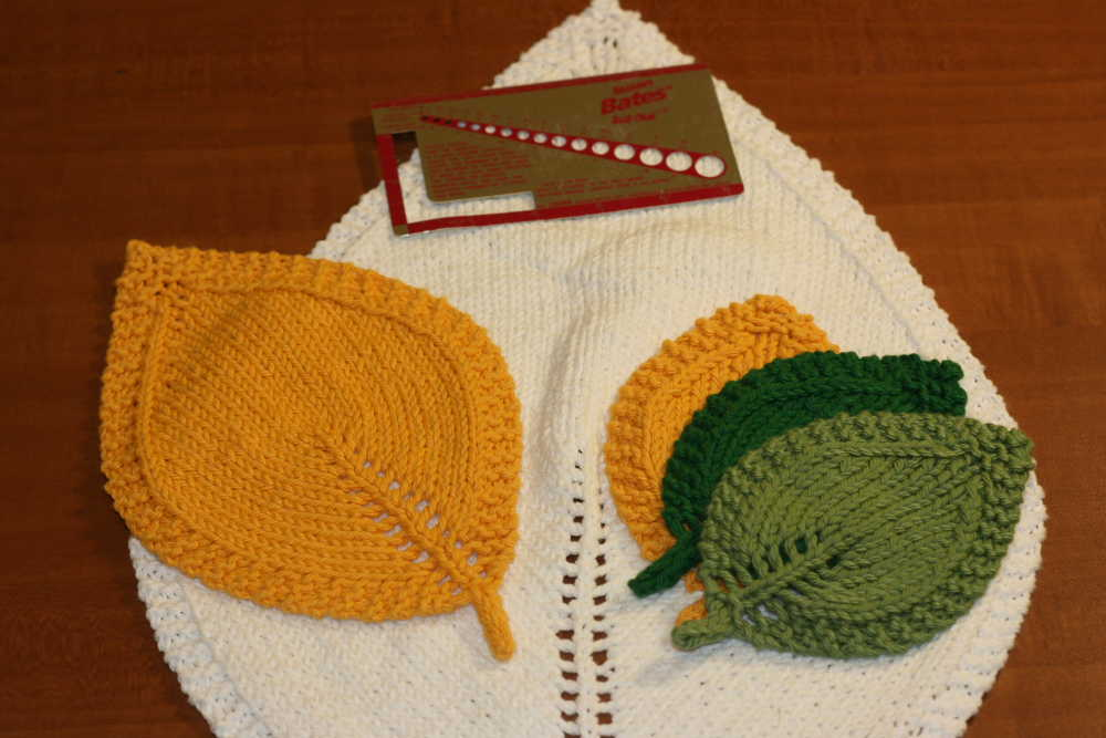 Knitting Patterns Galore A Knit Leaf In Three Sizes