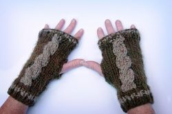 Cabled Texting Mitts