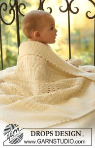 Blanket with Wavy Patten