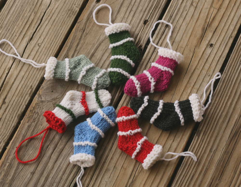 Knitting Patterns Galore - Minis for Christmas