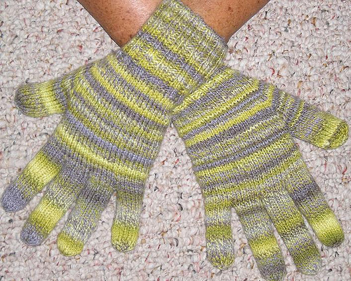 Knitting Patterns Galore - Heavy Fingering Weight Gloves