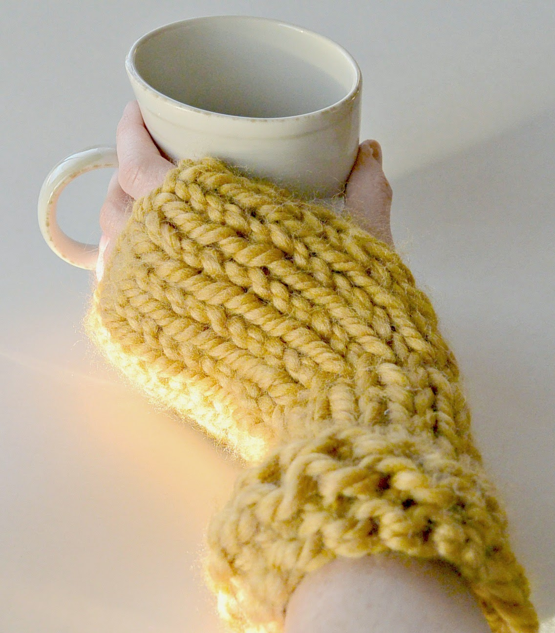 Knitting Patterns Galore - Straw Bed Wrist Warmers / Fingerless Gloves