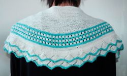 Lace and Star Stitch Shawlette